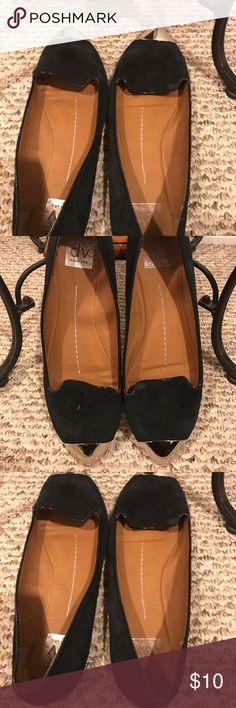 Dolce Vita Black Flats Pre-Loved Dolce Vita Flats ( shoes smell like smoke) Dolce Vita Shoes Flats & Loafers