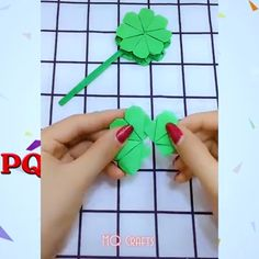 Origami flower video tutorial - Her Crochet Paper Crafts For Kids, Diy Arts And Crafts, Creative Crafts, Preschool Crafts, Diy Crafts, Diy Origami, Paper Crafts Origami, Diy Paper, Butterfly Crafts
