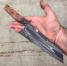 Discount Knives and Swords Swords Damascus Blade, Damascus Knife, Damascus Steel, Cool Knives, Knives And Tools, Knives And Swords, Best Pocket Knife, Pocket Knives, Forged Knife