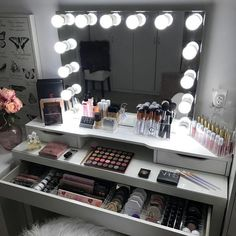51 most popular makeup vanity table ideas for girls inspiration 16 Vanity Makeup Rooms, Vanity Room, Makeup Beauty Room, Makeup Room Decor, Makeup Drawer Organization, Makeup Storage, Lp Storage, Record Storage, Bedroom Organization