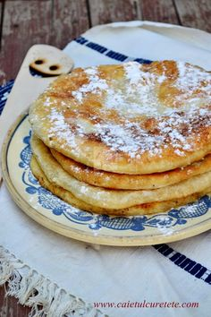 CAIETUL CU RETETE: Gogosi in foi (de post) Egg Free Recipes, Sweets Recipes, Cookie Recipes, Romanian Desserts, Romanian Food, Romanian Recipes, Churros, Bite Size Food, Galletas Cookies