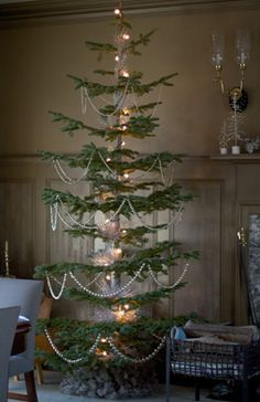 Exotic Primitive Country Christmas Trees Happy New Year Primitive Country Christmas, Country Christmas Decorations, Prim Christmas, Simple Christmas, Beautiful Christmas, Winter Christmas, Vintage Christmas, Primitive Crafts, Noble Fir Christmas Tree
