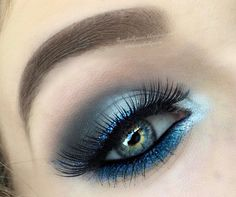 Teal Glittery Peacock Makeup - #teal #peacockmakeup #makeup #eyes #glitter