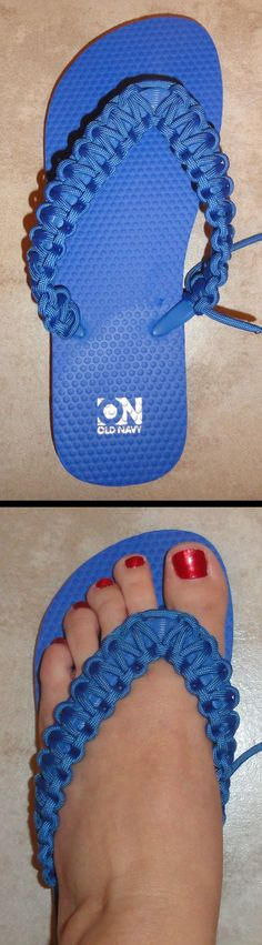 Dress up plain flip flops with paracord. Use the same method that you'd use for a bracelet, but use the strap of the flip flop for the center. The tutorial in the attached link shows how to make them by completely removing the strap. Paracord Knots, 550 Paracord, Paracord Bracelets, Crochet Shoes, Crochet Slippers, Flip Flop Craft, Flip Flops Diy, Crochet Flip Flops, Do It Yourself Fashion