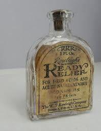 Ready Relief old medicine bottle Antique Glass Bottles, Vintage Bottles, Bottles And Jars, Perfume Bottles, Vintage Tins, Apothecary Shoppe, Apothecary Bottles, Vintage Nurse, Vintage Medical