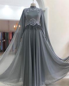 Abaya Style 539869074083445781 - Source by harssiqiss Hijab Evening Dress, Hijab Dress Party, Evening Dresses With Sleeves, Abaya Style, Hijab Style Dress, Muslimah Wedding Dress, Muslim Wedding Dresses, Muslim Fashion, Hijab Fashion