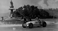 "VI. Gran Premio ""Penya Rhin"" and the third Gran Prix of Barcelona (Circuito de Montjuich), June 30, 1935. The winner Luigi Fagioli wit the start number 10 at the whell of a 750-kg formula racing car W 25."