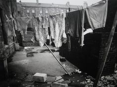 Glasgow South Side, 1971 .... ' hung our washin out the back '