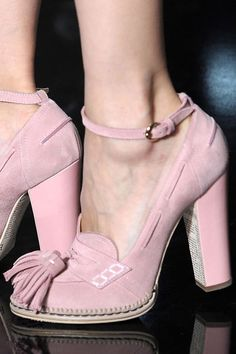 Paris Fashion Week's Latest Shoes for Spring 2012 Season Suede Shoes, Loafer Shoes, Shoe Boots, Loafers, Paris Fashion, Fashion Shoes, Accessorize Shoes, Gorgeous Heels, Thick Heels