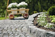 Bilderesultat for brostein i hagen Garden Paths, Pathways, Natural Stones, Outdoor Living, Nature, Flowers, Plants, Inspiration, Garden Ideas