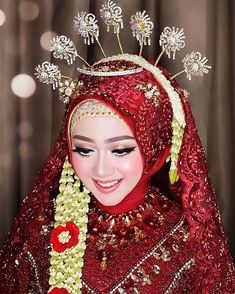 Most up-to-date Images Bridal Headpiece muslim Tips Wedding head of hair equipment are generally an essential portion of the fantastic wedding hair styl Muslimah Wedding Dress, Hijab Wedding Dresses, Disney Wedding Dresses, Hijab Bride, Funny Bridal Shower Gifts, Bridal Shower Rustic, Foto Wedding, Wedding Bride, Wedding Hair