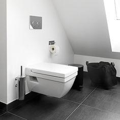 Simple living, badeværelses indretning, badeværelses inspiration, bathroom inspiration, badeværelse skråvæg