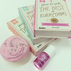 We're reading up about 'how to look the best at everything', with a little #Lollitint and a cupcake in hand!