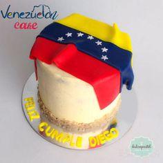Torta Venezuela en Medellín por Dulcepastel.com - #venezuelancake #venezuelan #venezuelans #venezuelanflag's  #venezolanos #venezuela #tortabandera #banderadevenezuela #carrotcake #tortadezanahoria  #venezolanosenmedellin #venezolanosencolombia #venezolanosporelmundo #venezuelalucha #venezuelatequiero #soyvenezolano #tortasmedellin #tortaspersonalizadas #tortastematicas #cupcakesmedellin #tortasartisticas #tortasporencargo #tortasenvigado #reposteriamedellin #reposteriaenvigado