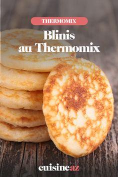 Pour l'apéro ou pour un brunch, ces blinis maison au Thermomix feront leur effet !  #recette#cuisine#robotculinaire#thermomix #blinis#apero #brunch #aperitif Mousse, Hamburger, Pancakes, Food And Drink, Bread, Robot, Breakfast, Desserts, Donuts