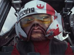 The Sullustan pilot Nien Nunb (Mike Quinn) flew with