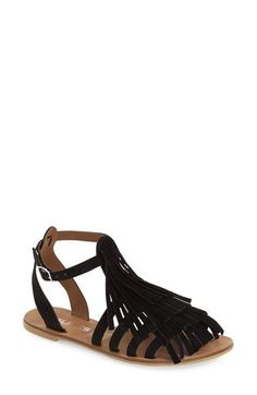 Tiered fringe adds a flirty touch to these super comfy gladiator sandals.