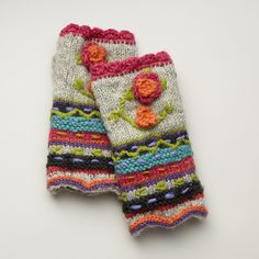 Hello Sunshine Handwarmers: A reminder of sunnier days with appliquéd, knit flowers and cheerful stripes. Fleece lined. One size fits most adults. Crochet Wrist Warmers, Crochet Gloves, Knitted Hats, Knit Crochet, Hand Knitting, Knitting Patterns, Crochet Headband Pattern, Boot Socks, Scrappy Quilts