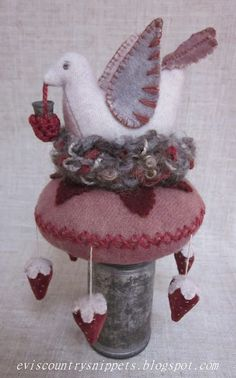 Evi 's Country Snippets Shop - elaborate pincushion, wool with crocheted thimble keep