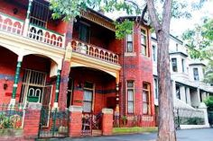 Domain News - Provides the latest real estate and property market news in Australia. Australian Country Houses, Australian Homes, Brick Architecture, Red Bricks, Old Houses, House Colors, Old Things, Real Estate, Exterior