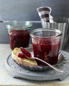 Das Rezept für Johannisbeerkonfitüre mit Vanille und Zimt und weitere kostenlose Rezepte auf LECKER.de