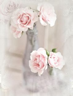 La vallee bleue - Page 961 Romantic Roses, Beautiful Roses, Vintage Girls, Vintage Roses, Vintage Floral, Pretty Pastel, Pretty Flowers, Pastel Pink, Pastel Colors