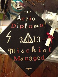 Harry Potter grad cap -- This is awesome! I kind of want to do something like this in May. Graduation Cap Designs, Graduation Cap Decoration, High School Graduation, Graduation Caps, Graduation Ideas, Graduation 2015, Harry Potter Grad Cap, Cap Decorations, Camping Gifts