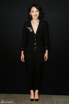 Bai Baihe Zhou Xun, Yang Mi, Li Yuchun at fashion event | China Entertainment News