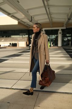 airport looks travel style atlantic-pacific Atlantic Pacific, Mode Outfits, Fashion Outfits, Fashion Trends, Fashion Hats, Fashion Clothes, Fashion Ideas, Mens Fashion, Looks Style
