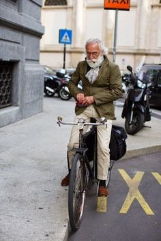 When Old People Dress Like Hipsters (21 Pics) - More like, super cool, know how to put their shit together, old guys! Love them!