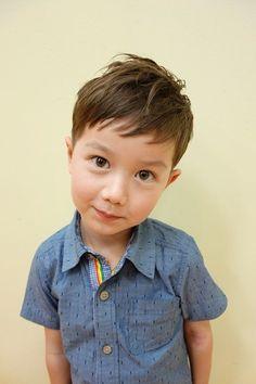 こども専門の美容室・美容院「チョッキンズ」。浦和美園、与野、津田沼、おゆみ野、レイクタウン、つくばのこども専門の美容院。カッコいい髪型を提供するヘアサロン。のスタイルギャラリー Little Boy Hairstyles, Teen Hairstyles, Baby Haircut, Toddler Boy Haircuts, Kids Cuts, Kid Swag, Mi Long, Child Models, Little Boys