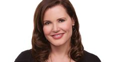 """Geena Davis will speak at United Way event in Phoenix - Geena Davis, an Academy Award winning actor who is one of Hollywood's most respected stars, is coming to Phoenix to speak at a luncheon presented by the Women's Leadership Council of the Valley of the Sun United Way. """"We Are UNITED,"""" a fundraising event to help fund Valley of the Sun United Way's... - http://azbigmedia.com/ab/geena-davis-speak-united-event-phoenix"""