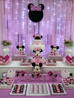 Best Ideas For Party Decorations Purple Pink Minnie Mouse Birthday Decorations, Minnie Mouse Theme Party, Minnie Mouse First Birthday, Mickey Birthday, Mini Mouse Baby Shower, Trendy Baby, Shower Ideas, Alice, Purple Party