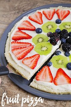 The BEST Fruit Pizza