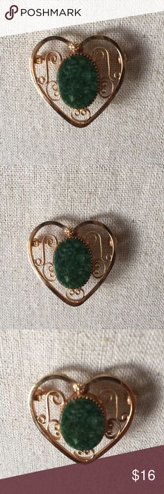 Vintage Jade 12K GF Heart Brooch Sweet Jade with dainty filigree scrolls that is gold filled. Excellent condition! I ship the same or next business day! Jewelry Brooches