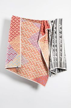 Artist Cotton Blankets Textiles, Cotton Blankets, Artist At Work, Decoration, Weaving, Collection, Instagram, Design, Decor