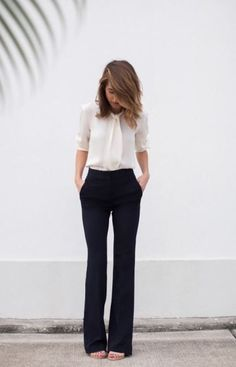 How To Wear Jeans To Work Business Casual Simple Super Ideas - Business Attire Business Outfit Frau, Business Outfits, Business Attire, Business Fashion, Business Professional Attire, Professional Shoes, Business Casual Outfits For Women, Chic Office Outfit, Office Outfits