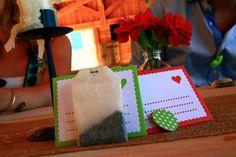 Les astuces déco de Claire, la bride next door du jour. ENveloppes avec sachets de thé remplis par les invités