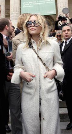 Photo (The Olsens) High Street Fashion, Street Style, Street Chic, Ashley Olsen Style, Olsen Twins Style, Mary Kate Ashley, Mary Kate Olsen, Olsen Fashion, Women's Fashion