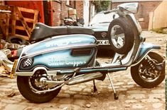 Italian Scooter, Best Scooter, Lambretta Scooter, Motor Scooters, Death Note, Motorcycle, Metal, Vehicles, Style