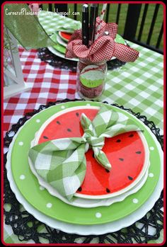 Corner of Plaid and Paisley: Summer's End Tablescape love the watermelon plate and butterfly napkin fold. Old Time Pottery, Watermelon Decor, Entertainment Table, Beautiful Table Settings, Napkin Folding, Deco Table, Decoration Table, Table Toppers, Dinner Table