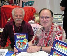 #NicolaCuti at the #SDCC2011. Fun, costumes, and #collectables! What else could you ask for?