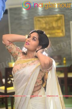 Prayaga Martin Actress Photos (4) – news.indiglamour.com Indian Actress Hot Pics, South Indian Actress, Beautiful Indian Actress, Beautiful Actresses, Indian Actresses, Actress Anushka, Malayalam Actress, Girl Photography Poses, Beauty Photography