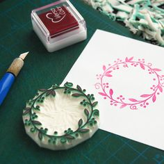 Beautiful wreath stamp for diy stationery, cards, thank you cards, paper goods #rubber #stamps #rubberstamps #handcarved #WoodlandTale #custom #wedding #peecaboostamps