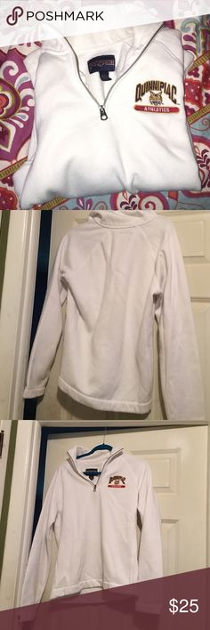 Quinnipiac University Athletics HalfZip Sweatshirt This sweatshirt is a 3/4 zip, Jansport brand. Small makeup stain on right lower sleeve towards the back BARELY noticeable, still good condition! Size larger fits like a medium because of a more feminine cut Jansport Tops Sweatshirts & Hoodies