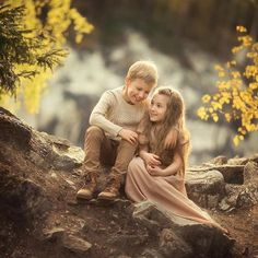 Baby Photoshoot Ideas Sisters 40 Ideas For 2019 Cute Baby Couple, Cute Baby Girl Pictures, Cute Couples, Cute Babies, Photography Props Kids, Sibling Photography, Portrait Photography, Kids Kiss, Sister Photos