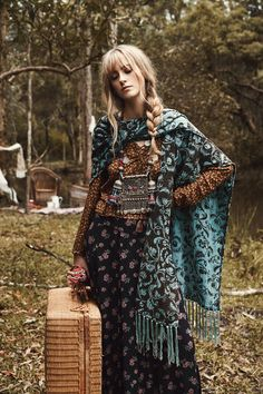 I´m Cecilia, free-thinker with boho soul: lover of life and beauty. Mode Boho Gypsy, Mode Hippie, Gypsy Style, Hippie Style, Bohemian Style, Bohemian Lifestyle, Ropa Shabby Chic, Boho Chic, Hippie Chic