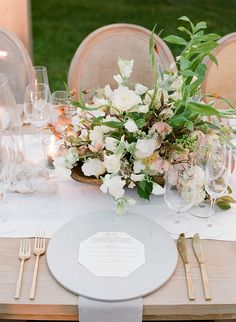 La Tavola Fine Linen Rental: Tuscany White Table Runners with Tuscany Natural Napkins | Photography: Jose Villa Photography, Coordination: Joy Proctor Design, Floral Design: Moon Canyon, Venue: Sunstone Villa, aTabletop Rentals: The Ark Event Rentals,