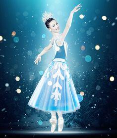 Le flocon | The snowflake  Photo: John Hall  Danseuse | dancer: Eline Malègue