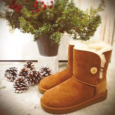 Winter Essential! Women All love! Discount UGG Boots Online Sale! Only $94 - $189! Do not miss! Click >> http://uggboot-shop-68.tumblr.com/